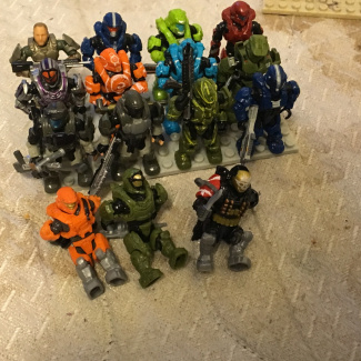 Image of: All halo heroes plus echo series and Emile