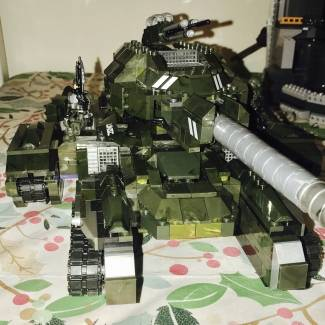 Image of: Roes tank build off