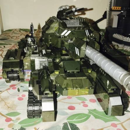 Roes tank build off