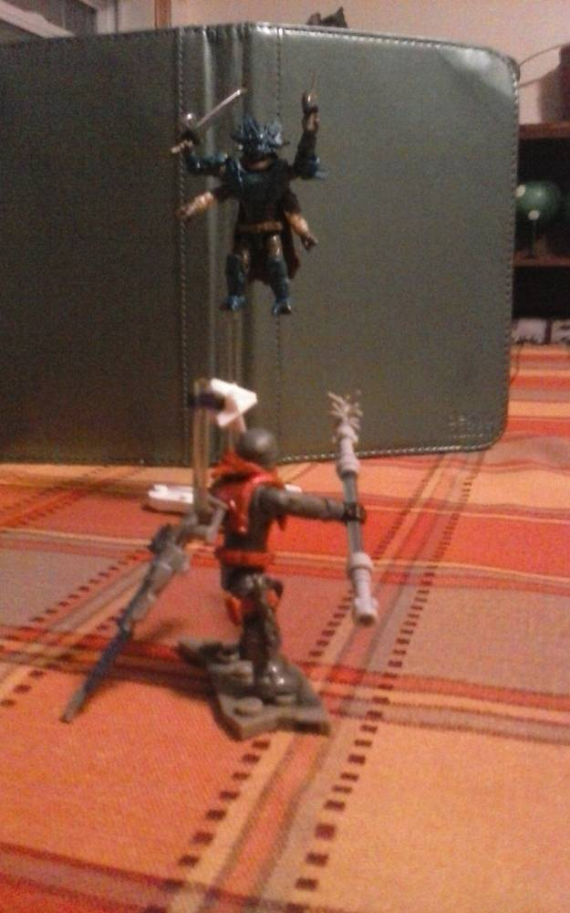Image of: The Arcstrider vs. Fallen Captain stopmotion