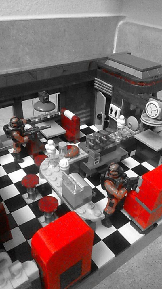 Image of: Tranzit diner before zombie occupation