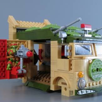 Image of: TMNT Classic Party Wagon Build Stopmotion
