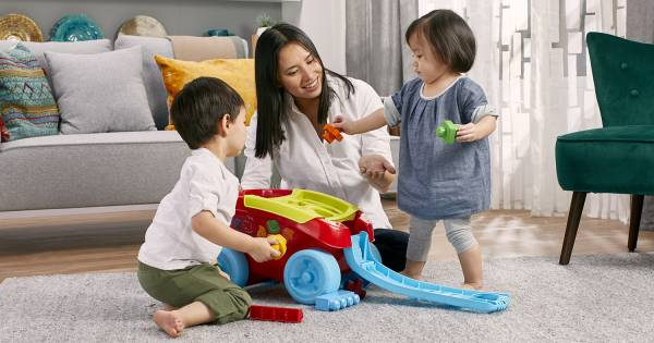 Play and Learn with the Shape Sorting Wagon
