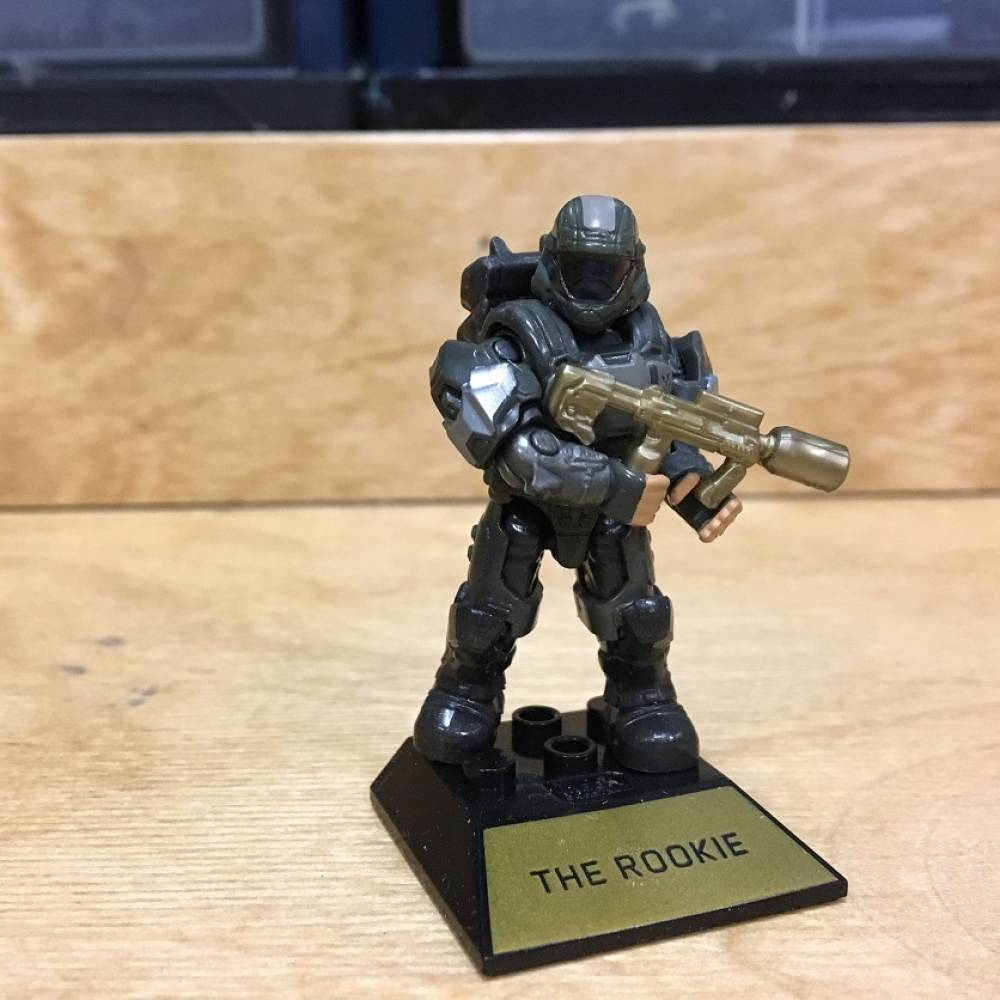 Image of: First Look: Halo 10th Anniversary Halo Heroes Kat, Rookie and Cortana