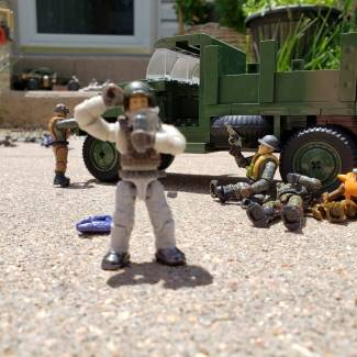 Image of: Breaking News! Bush and Nargoians miltary forces part of the man hunt have cornered the rogue unit
