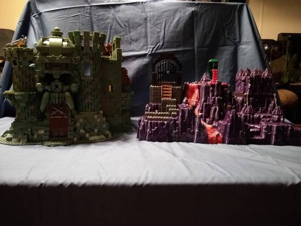 motu-castle-grayskull-and-snake-mountain