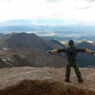 Image of: T-pose Tuesday: Pike's Peak Dominance.