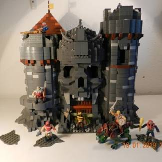 Image of: Motu MOC Castle Grayskull made before the official set was released