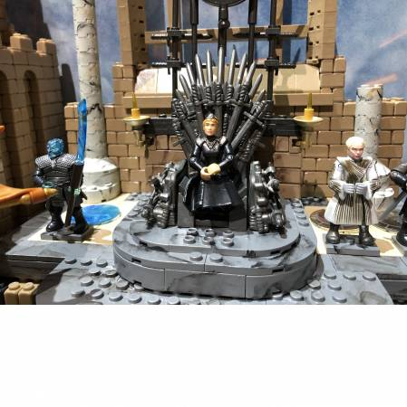 sdcc-preview-a-closer-look-at-the-iron-throne