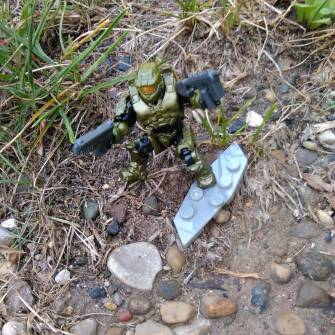 master-chief-versus-bugs-some-other-things