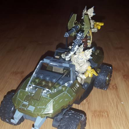 Image of: 2.5 inch figure vehicle compatibility test.