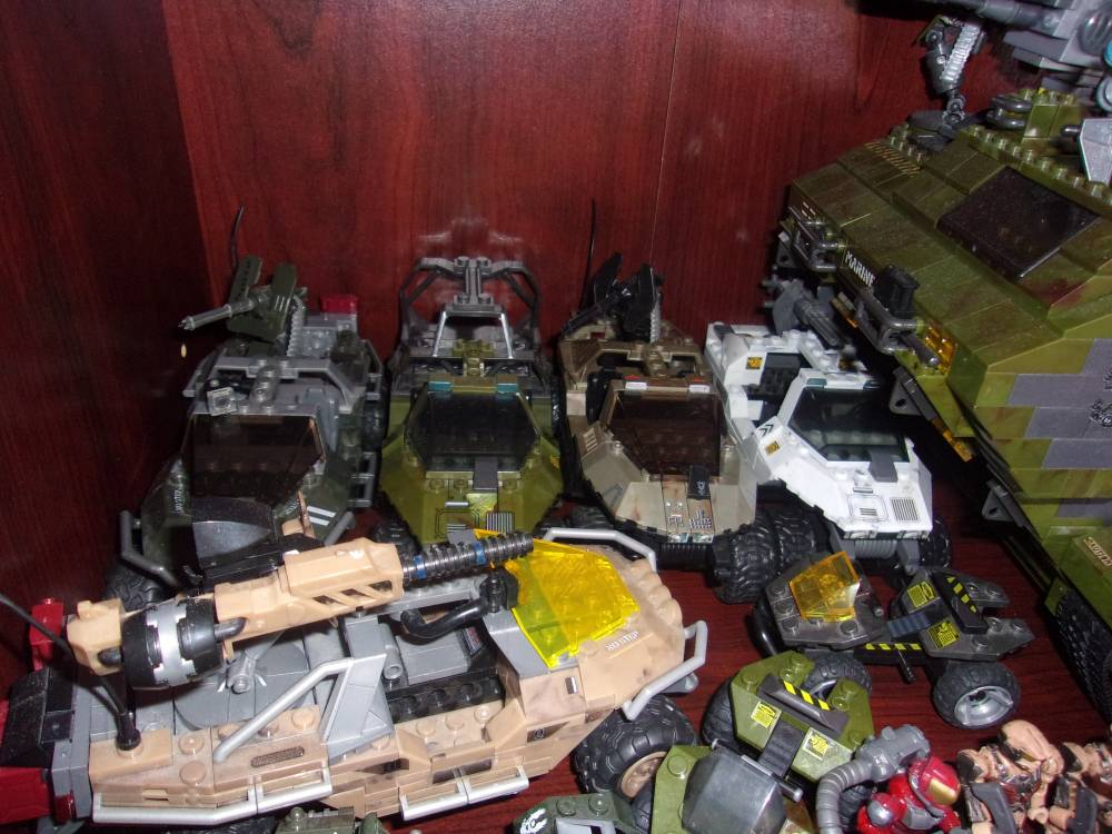 Image of: Packing up: Working on Final Displays 3