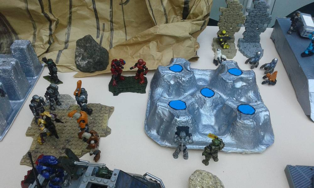 Halo Diorama at the Carolina Children's Museum of Puerto rico final part