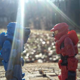 Image of: Red vs blue who will win? You choose