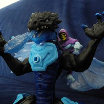 masters-of-the-universe-and-breakout-beasts-skeletor-meets-iceblaze