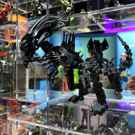 Image of: Live from NY Toy Fair: Alien Queen!
