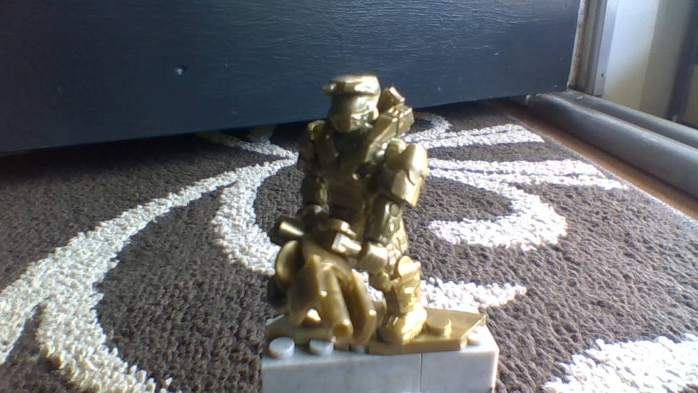 Image of: master chief statue