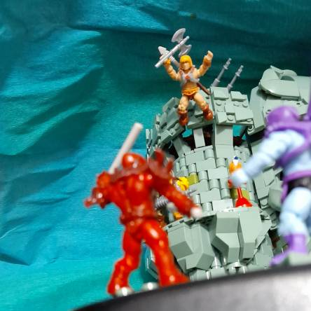 HE-MAN jump and attac