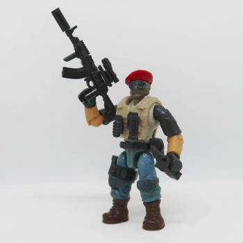 "Custom figures from the series "" Soldiers in Berets"""