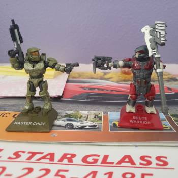 Master Chief VS Brute Warrior Review