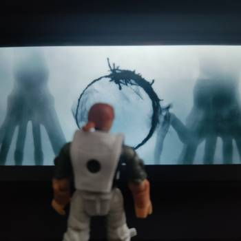 A scene from the movie arrival